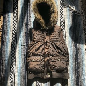 *505 Old Navy Faux Fur Lined Puffer Vest